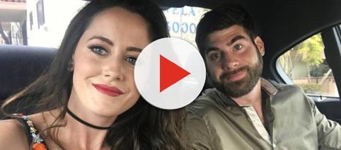 Jenelle Evans and David Eason take a car selfie. [Photo via Instagram]