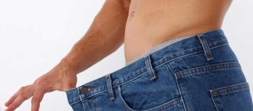 Hábitos que debes eliminar si quieres evitar la grasa abdominal
