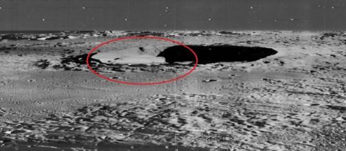 Imagem de inusitada estrutura, captada pela NASA em cratera da lua, impressiona internautas (NASA)