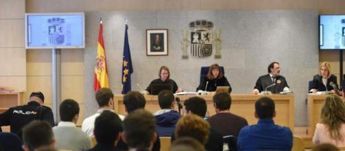 Juicio Alsasua | Directo: declaran los guardias civiles y sus ... - 0news.net