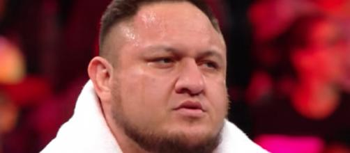 Samoa Joe has moved from the 'Raw' roster to 'SmackDown Live' during the 'Superstar Shakeup 2018' event. [Image via WWE/YouTube]