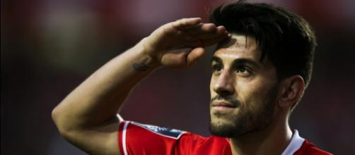 SIC Notícias | Pizzi diz que renovação com o Benfica traz uma ... - sapo.pt