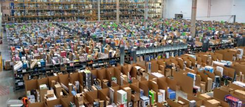 Un mega-deposito Amazon in Spagna