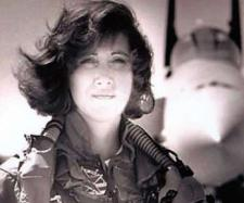 Eroina pilot din SUA care a salvat 149 pasageri aterizând forțat - Foto: Daily Mail (© Linda Maloney/Splash)