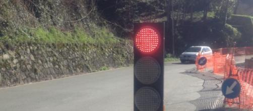 In Cina semafori che spruzzano acqua contro pedoni che passano con il rosso