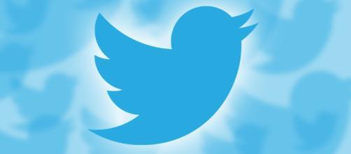 Internauta malicioso divulga falsa notícia sobre a venda do Twitter.