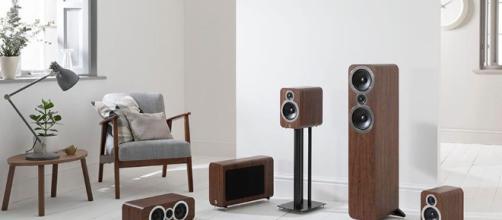 La nueva serie 'Q Acoustic 3000' cubre estantería con sonido envolvente 5.1 a precios asequibles.