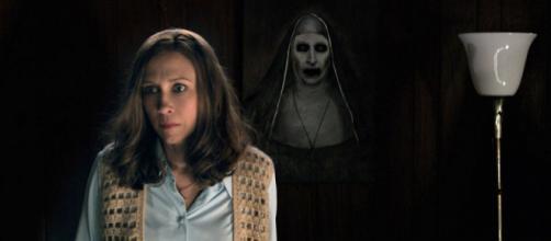 La primera mirada de monja muestra el monstruo de la conjuración de Spinoff.