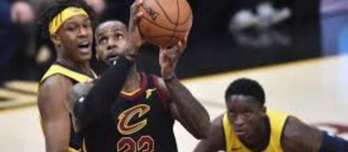 Lebron James martyrisant les Pacers