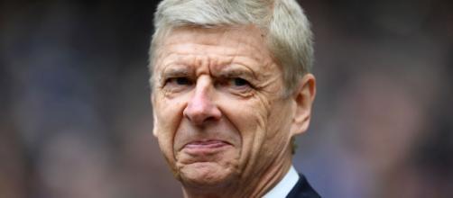 Wenger a toujours voulu promouvoir le jeu et la jeunesse. Ça ne lui pas toujours souri. (squawka.com)