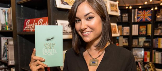 A lendária atriz de filmes adultos aposentada Sasha Grey escreveu o livro 'Juliette Society'.