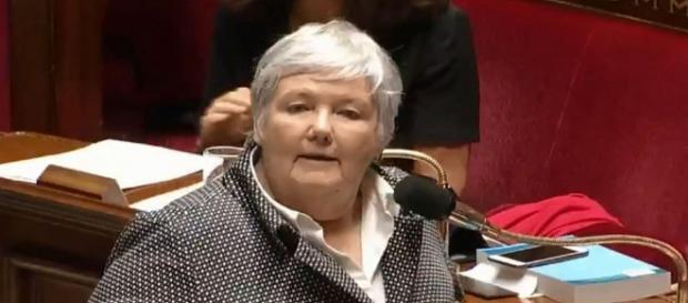Débats tendus à l'Assemblée nationale sur l'asile et l'immigration