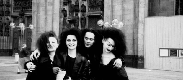 Portraits of 80's Death Rock Goth Culture | Makeup, Hair, Beauty ... - pinterest.co.uk