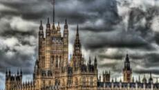 Alarma mientras el gobierno reescribe la 'guía de tortura' del Reino Unido