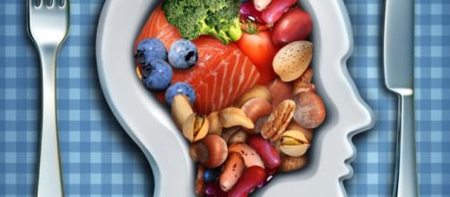 Alimenta tu cerebro para frenar el envejecimiento | Nutrición y ... - runners.es