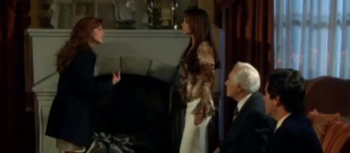 Fernanda pede explicações para Barbara