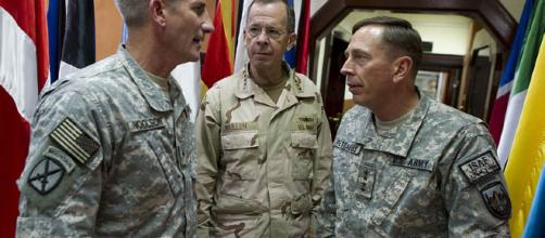 General Nicholson with Admiral Mullen and General Petraeus (Image via MC1 Chad J. McNeely - WikiMedia Commons)