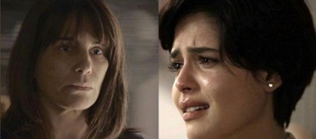 Beth doa rim para Adriana em O Outro Lado do Paraíso (Foto: TV Globo)