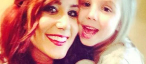 Chelsea Houska poses with daughter Aubree. - [Photo via Instagram]