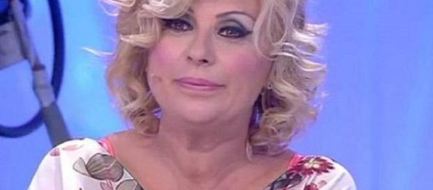 Gossip Uomini e Donne, Tina Cipollari in difficoltà.