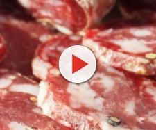 Allarme salmonella: salame ritirato dal commercio, la marca interessata