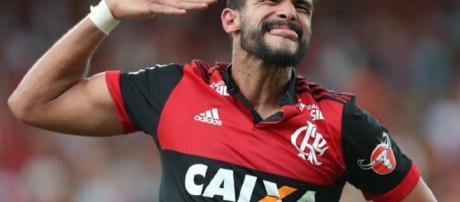 Henrique Dourado marca duas vezes e garante a vitória do Flamengo no Brasileirão. (foto reprodução).