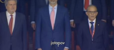 Polémica por la corbata de Felipe VI