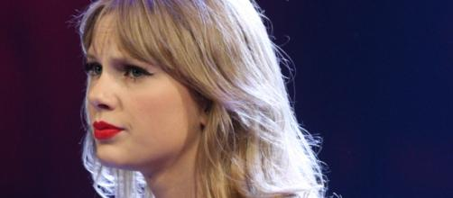 Taylor Swift's NYC apartment broken into by stalker who takes a shower and a nap. [Image Credit: Wikimedia Commons]