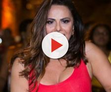 Viviane Araújo viaja sem o namorado para o Ceará e posta foto só de fio-dental