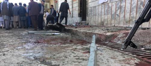 Al menos 48 muertos en un ataque suicida en Kabul
