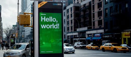LinkNYC le está dando a la ciudad de Nueva York Wi-Fi público gratuito - Patrulla de equipo - gearpatrol.com