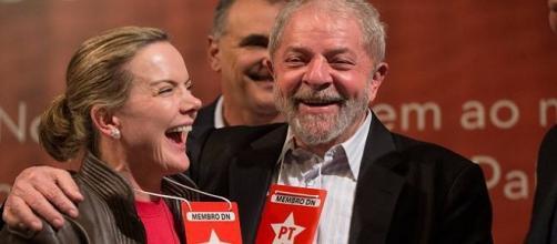 Parlamentares exigem ressarcimento de despesas de atos pró-Lula.