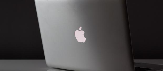 Apple's laptops are hitting rock bottom [image source; Free-Photos - Pikabay]