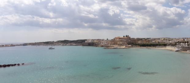 Una foto del mare di Otranto, nel Salento.