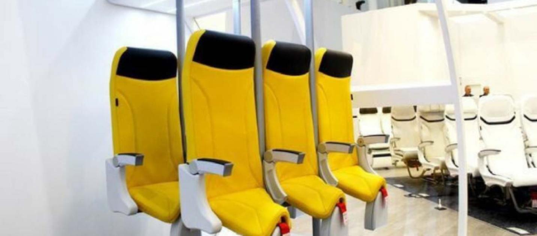 Aerei sedili come selle dei cavalli per i voli low cost in ultima classe - Poltrone design low cost ...