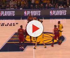 The tip off at Game 3 of the series. [Image credit: MLG Highlights/YouTube screencap]