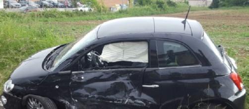 Fiat 500 danneggiata nell'incidente
