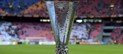 El trofeo de la Europe League está de visita en México. - lopezdoriga.com