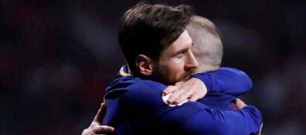 Leo Messi com o amigo Andres Iniesta