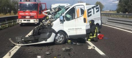 Calabria, grave incidente stradale: muore un uomo. (foto di repertorio)
