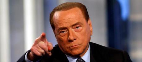 Nuova polemica tra Berlusconi e i 5 Stelle.