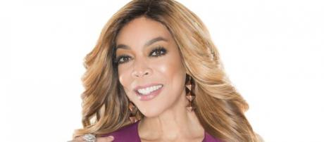 Wendy Williams calls out Carrie Underwood over face scar. [Image Credit: @WendyWilliams/Twitter]