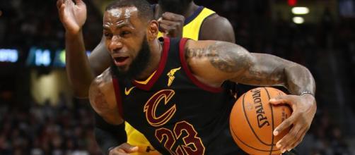 Cavaliers y LeBron James pierden primer juego de playoffs ante