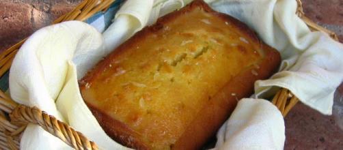 Glazed lemon pound cake via Wikimedia Commons