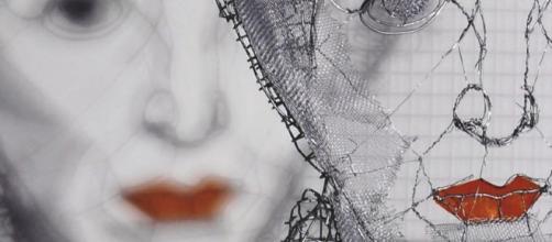 """Hannah Arendt"", ombra da rete metallica,rete, 2009, cm 125x80x8"