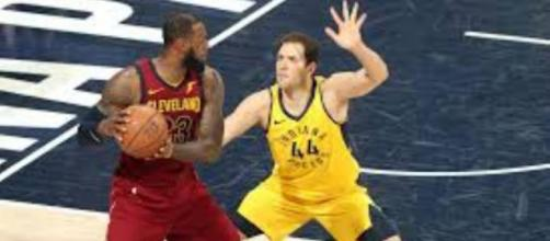 Lebron James et Bojan Bogdanovic