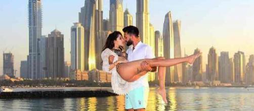 Nabilla et Thomas ont arnaqué un guide touristique digital pendant leur séjour à Dubaï
