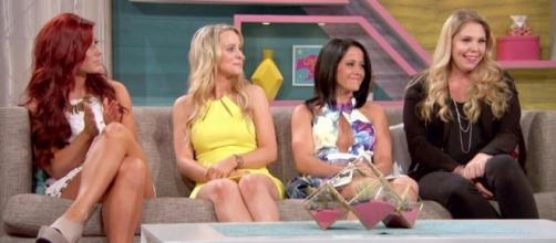 The 'Teen Mom 2' cast attends a reunion special. [Photo via MTV/YouTube]