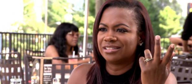Kandi Burruss appears on 'The Real Housewives of Atlanta.' [Photo via Bravo TV/YouTube]