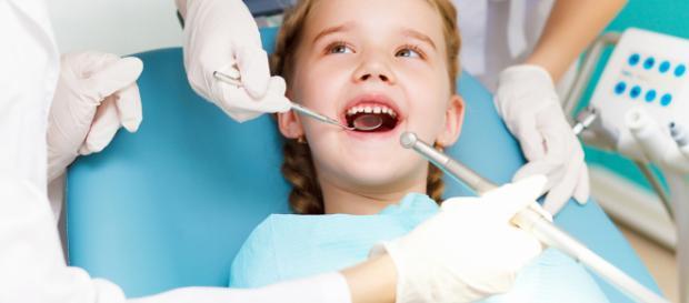 La salud dental en los niños es importante.